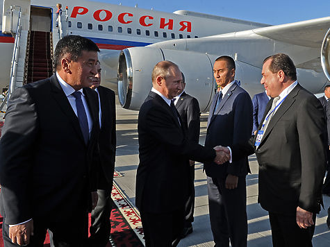 Алмазбек Атамбаев принял министра иностранных дел Узбекистана