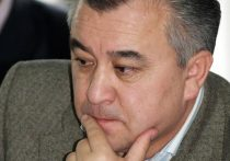 Накал политических страстей в Кыргызстане вокруг президентского кресла нарастает